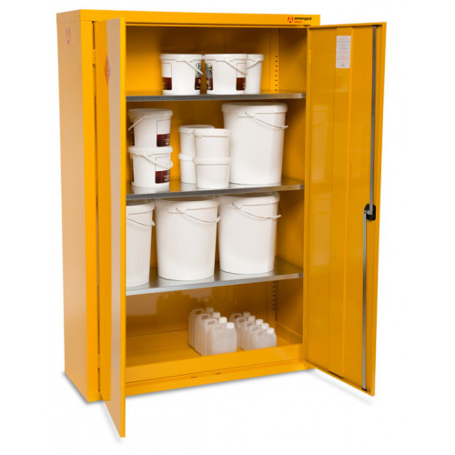SafeStor Chemsafe HFC6 c/w 3 shelves
